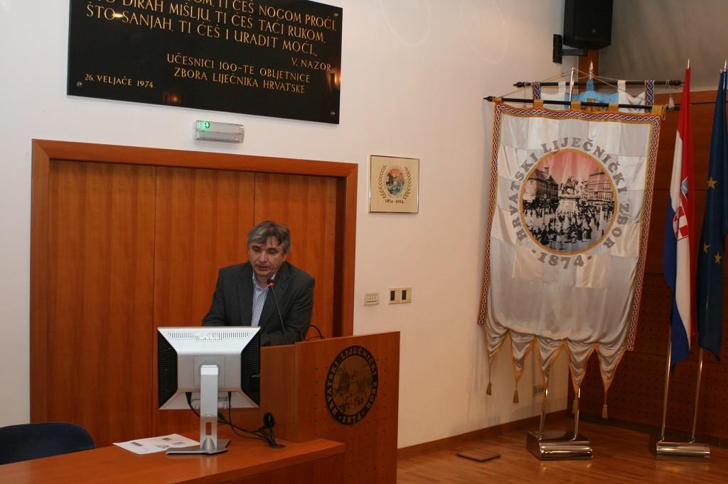 prof. dr. sc. Drago Batinić, prodekan za poslijediplomske studije Medicinskog fakulteta Sveučilišta u Zagrebu