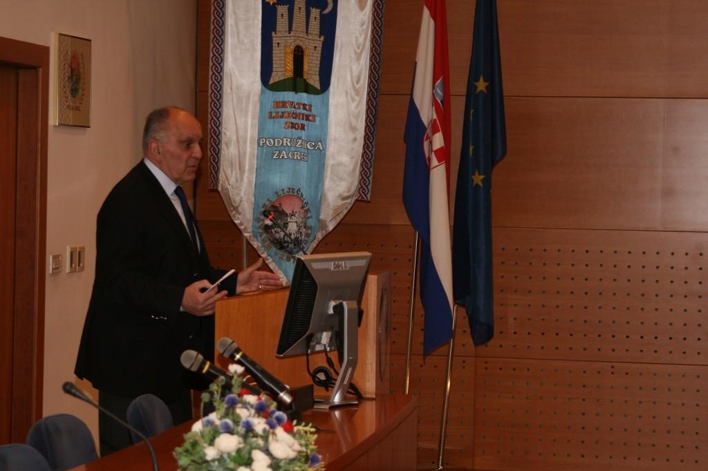 Akademik Marko Pećina bio je moderator na simpoziju Akademici u Hrvatskome liječničkom zboru