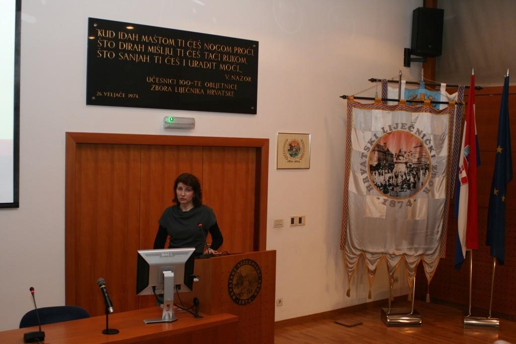 Ana Klobučar, mr. sc. biologije na predavanju Podružnice Zagreb Hrvatskoga liječničkog zbora o Zika virusu