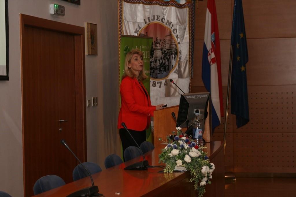 Prof. dr. sc. Romana Čeović na simpoziju o suvremenim načinima liječenja HPV infekcija u Hrvatskome liječničkom zboru