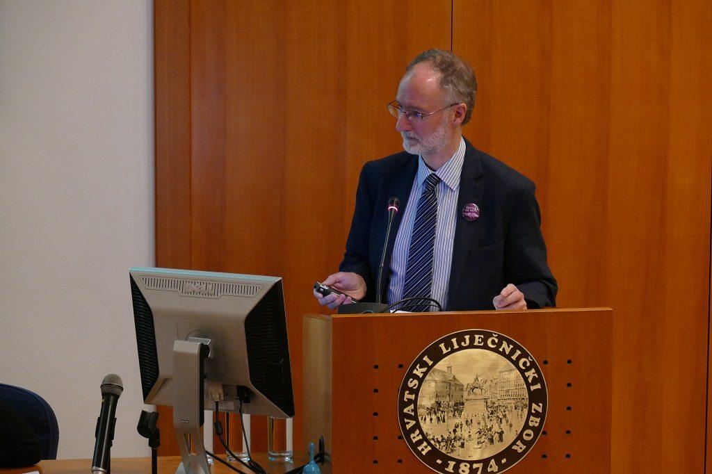 """Dr. David Oliver na konferenciji """"Univerzalni pristup palijativnoj skrbi - I tvoja pomoć je potrebna"""" održana u Hrvatskome liječničkom zboru"""